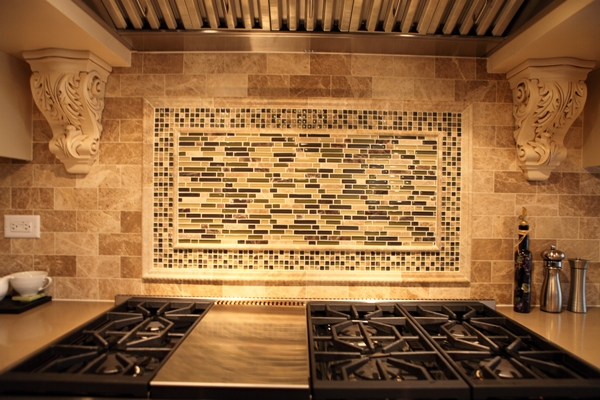 Battaglia Homes backsplash 2