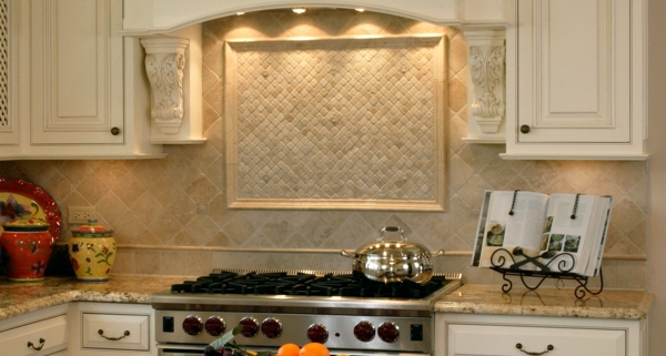 Battaglia Homes backsplash 3
