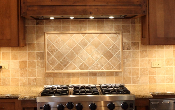 Battaglia Homes backsplash 5