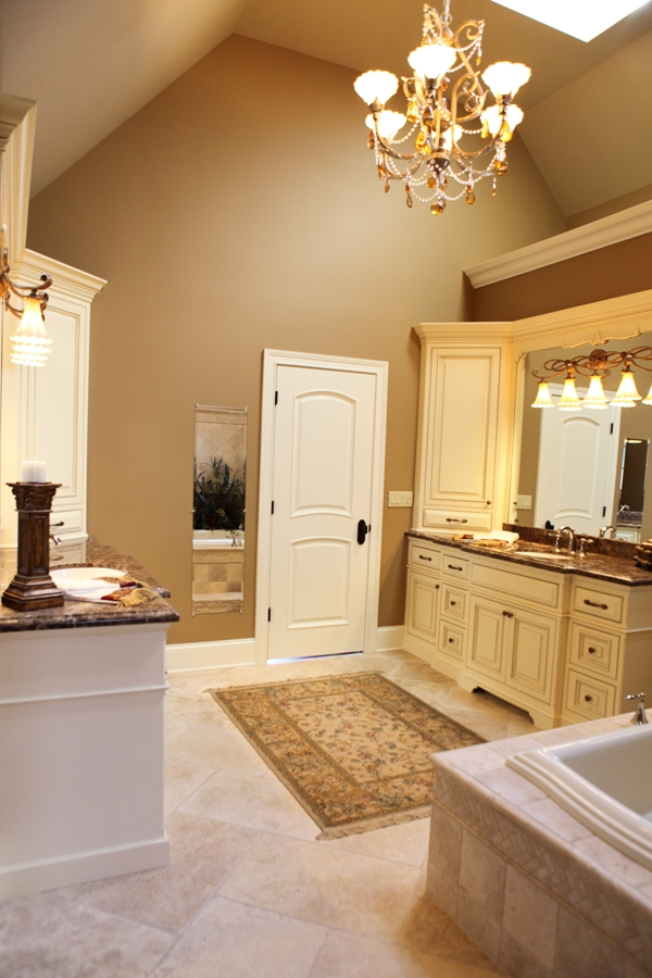 Master Bathroom Suite - Battaglia Homes 01