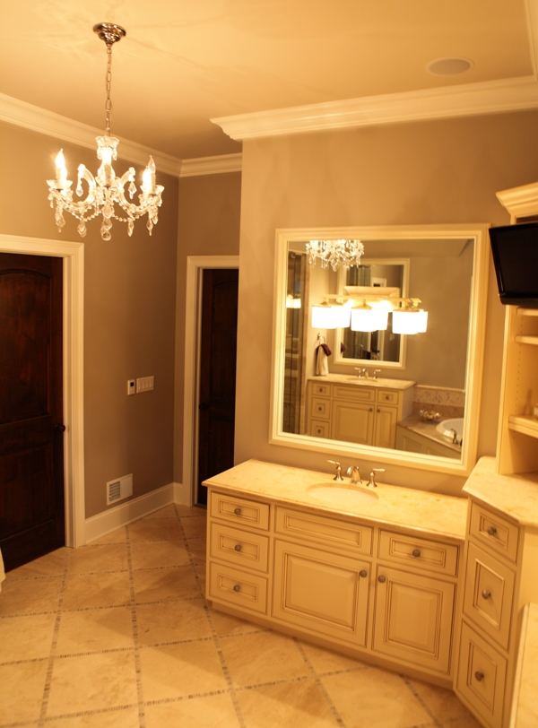 Master Bathroom Suite - Battaglia Homes 03