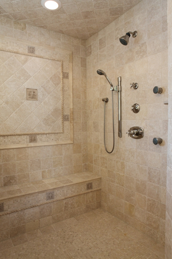 Master Bathroom Suite - Battaglia Homes 04