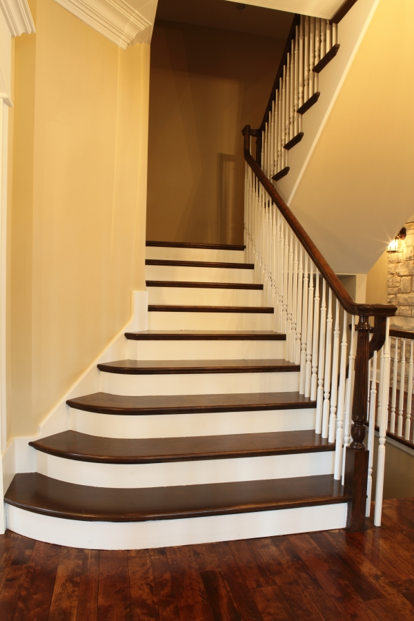 Style; Switchback with flare - White Birch & Poplar Wood [by Battaglia Homes]