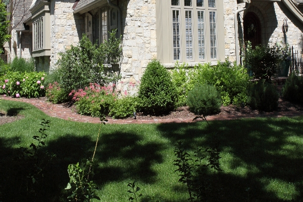 Image of Landscaping - Landscape Designs by Battaglia Homes, Custom Home Builder, Hinsdale, IL,2